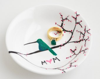 Hummingbird Ring Dish - Personalized Gift For Mom, Hummingbirds, Mothers Day, Flowers Ring Dish, Jewelry Dish, Jewelry Bowl, Free shipping