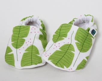 Children slippers, Green, Seaweed, Palm leaves, Coral, Crib shoes, Flannel, Cotton, Soft soles, Moccasins, Toddler, Baby shower gift idea