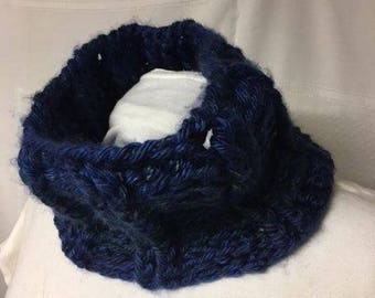 chunky cabled crocheted cowl