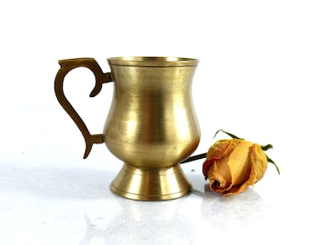 Vintage tankard - Vintage mug - Brass tankard - Brass mug - Brass cup - Vintage brass pitcher - Gold mug - Brass kitchen decor