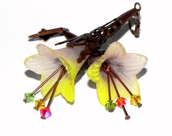 Lucite Trumpet Flower Earrings - Two tone Yellow and Grey lilies -  Brass Filigree Cone