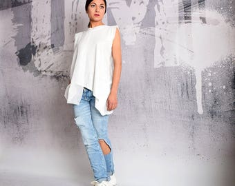T shirt, White t-shirt, white top, simple tunic, short sleeved blouse,cotton top, asymmetric top, tunic top by UrbanMood - UM-179-CO