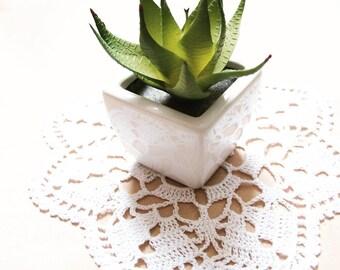 White crochet doily, lace doily, cotton doily, table doily crochet, handmade doily, crochet topper, 24cm doily, 9.5 inch doily, crochet lace