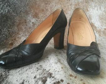 Renata Black Leather and Patent Leather High Heel Shoes 36