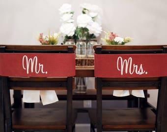 Mr and Mrs Wedding Decor, Wedding Chair Signs for Bride and Groom, Mr and Mrs Wedding Signs, Rustic Burlap Wedding Decorations, 525130052