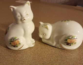 Porcelain china Cat salt and pepper shakers