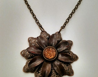 Ambra Fiore  steampunk necklace