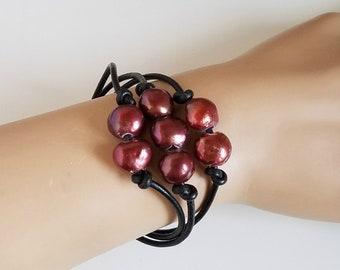 Romantic Pearl Bracelet, Cinnamon Red Freshwater Pearl and Black Leather Bracelet, Boho Pearl Bracelet, Romantic Jewelry Gift For Her