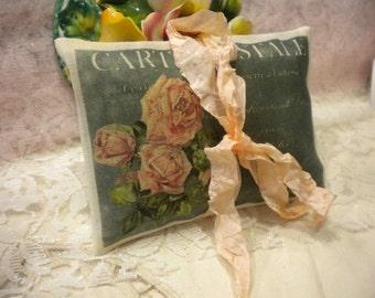Lavender Sachet Vintage Paris Roses Carte Postale