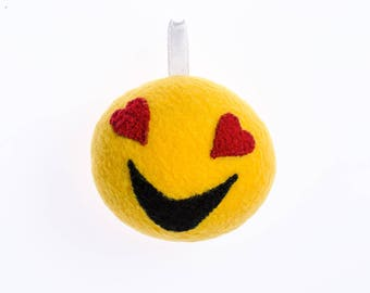 Enamored smiley keychain