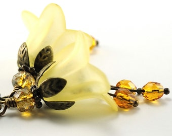 Yellow Flower Earrings Blossom Earrings, Lucite Flower Jewelry, Beaded Floral Jewellery, Gift for Nature Lover, Nature Inspired