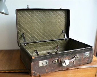 Vintage Suitcase antique suitcase brown Leather luggage Quality / quilted lining / 1930s vintage photo shop display prop medium luggage case
