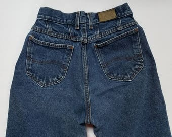 """Women's Vintage Lee Blue Jean's High Waisted, Tapered Leg, Mom Jeans, Size 24"""" Waist, Petite"""