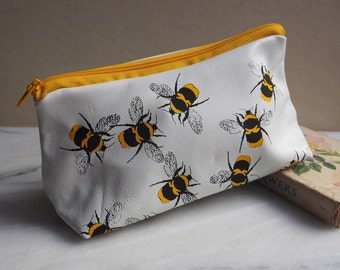 White bees make up bag, makeup bag, best friend gift, bumble bee, gift for women, gift for her, leather makeup bag, bees, bees gift