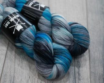 Canadian Hand-dyed yarn 100% Superwash Merino Lace Yarn 113g 980 yards Lace weight. Frozen  Throne. Multicolored variegated yarn.