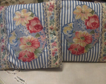 Pair of Shabby Chic Toss Pillows