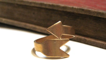 Solid Brass Arrow Ring - Adjustable - Raw Brass - Wrap - Minimalist - Geometric
