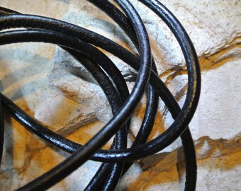 One meter of 4 mm black round leather cord