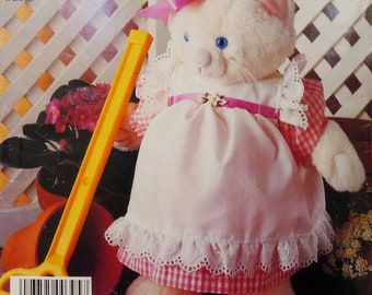Vintage Stuffed Cat, Pretty Kitty With Pinafore Dress, McCall's 842 (2863) Crafts Sewing Pattern