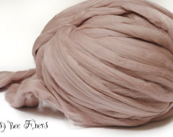 CABBAGE ROSE - Merino Wool roving combed top, spinning, felting, roving - 4 oz
