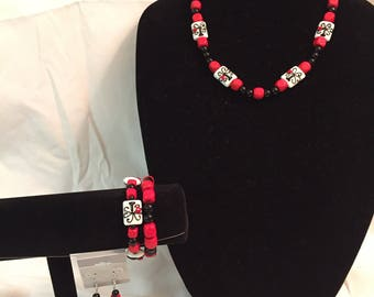 Black & White and Red All-over Necklace Set