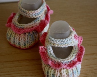 Knitting Pattern - Baby Booties with Flounce ( 0-6 month) cotton