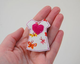 Dress Brooch Butterfly Fabric with Pink Wool Heart Women's Handmade Accessories