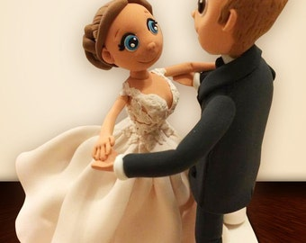 Wedding cake topper, Romantic cake topper, Cute cake topper, Custom figurines, polymer clay topper, personalized wedding cake topper