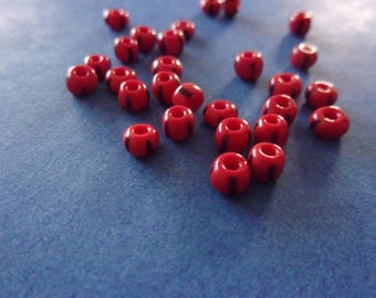 Set of 10 red with black glass beads - 4mm