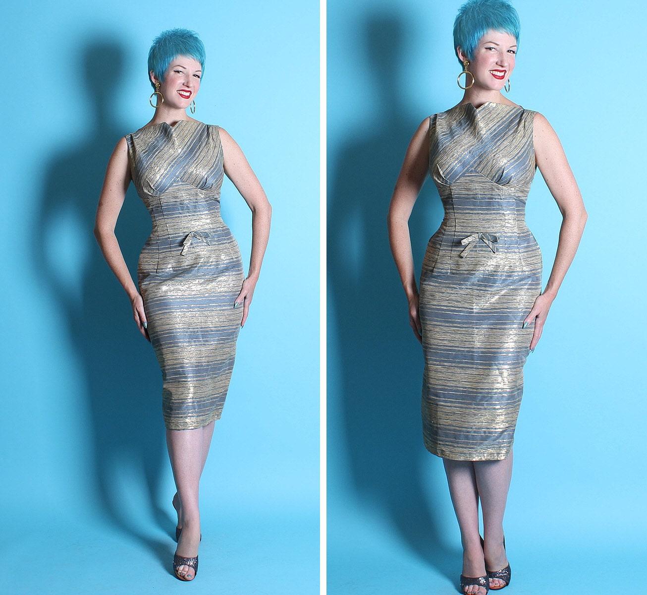 KILLER 1950's Extreme Hourglass Raw Silk Sparkling Gold Lurex Stripe Wiggle Cocktail Dress w Pleated Shelf Bust & Hip Pockets - VLV - Size M