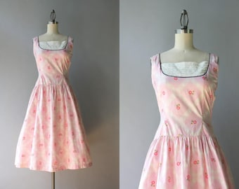 Vintage 50s Dress / 1950s Pink Cotton Sundress / 50s Dropwaist Flowers and Lace Dress XS extra small