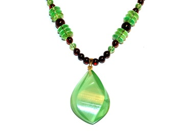Elegant Amber Necklace Green Nicety Polished Beads Big Flame Cut Caribbean Green Amber Pendant