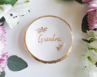 Grandma Jewelry Dish / Personalized Ring Dish / Gift for Mom / Gift for Grandma / Personalized Jewelry / Ring Tray