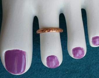 Solid copper toe ring