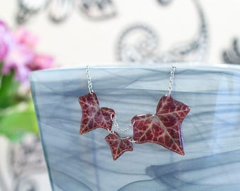 Autumn ivy leaves necklace. Comes in a gift box. Made in GB.