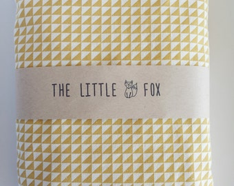 Yellow Triangle Design Fitted Crib Cot Sheet to fit the Stokke Sleepi Cot Crib