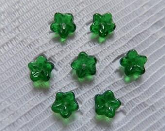 25  Christmas Emerald Green Transparent 5 Petal Czech Glass Flower Beads  7mm