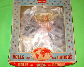 Vintage Dolls of the Nations # 708 Dolly Madison original box great condition