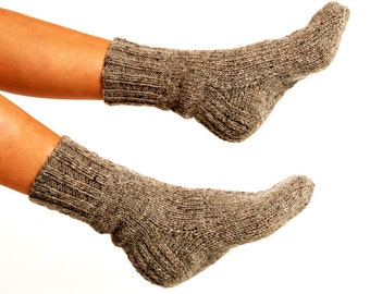 WOOL SOCKS. Woman socks. Hand knitted socks. Natural grey wool socks. Minimal socks. Great gift. Warm socks. Winter socks.