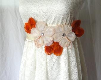 Aux épices de GWEN Fall, Ivoire, Orange et Beige Peacock Feather Flower Wedding Bridal Sash
