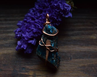 Blue Apatite Raw Rock   Paddle Necklace   Raw Copper Wire Wrapped