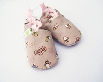 SALE Small Classic Little Bugs in Pink  / All Fabric Soft Sole Baby Shoes / Ready to Ship / Babies