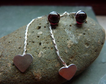 Queen of Hearts drop earrings with garnet