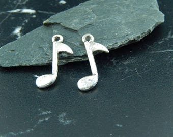 Silver music note 4 charms