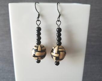 Black and Beige bead
