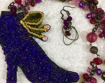 Stepping High Heel Purple Necklace Set