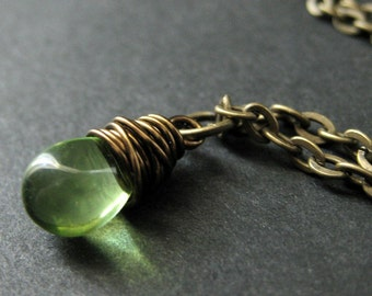 Teardrop Necklace. Green Teardrop Pendant Necklace in Bronze. Bridesmaid Necklace. Handmade Jewelry.