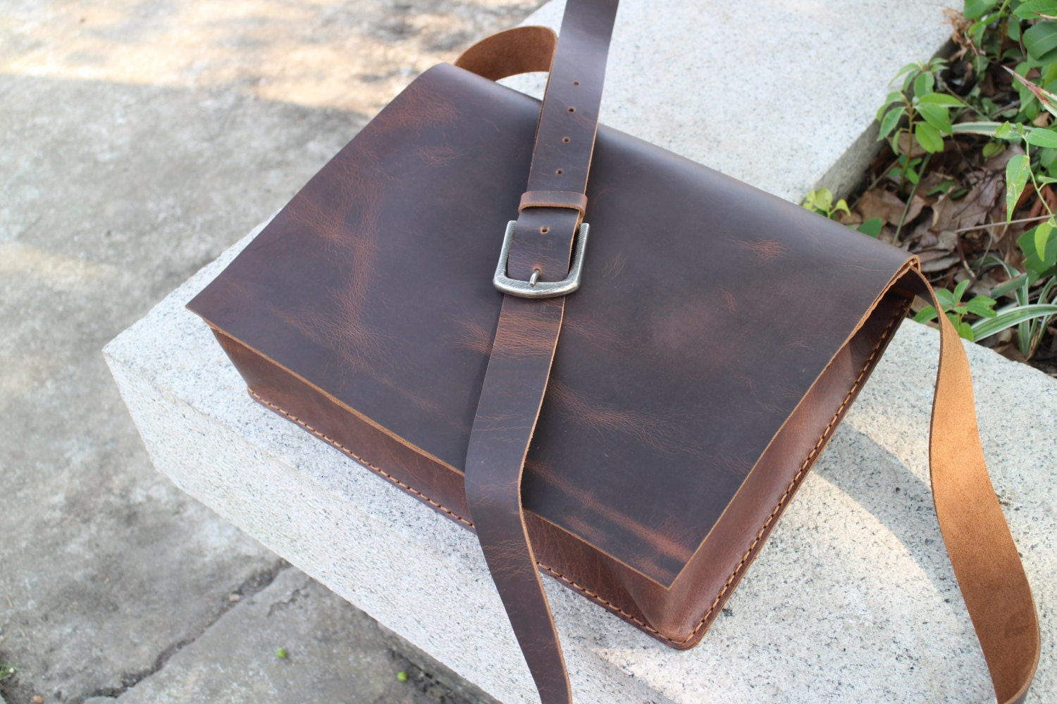 leather messenger bag,mens leather messenger bag, laptop bag, Camera tool bag, Waxed thread, leather bag ,handmade,gift.