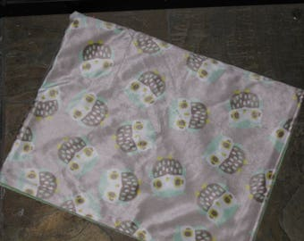 Minty Green Owl Minky Blanket
