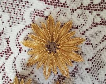 Starburst Pin - vintage gold Avon earrings brooch